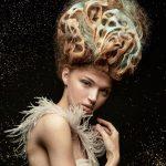 Włosy: Joanne O'Neill, Zdjęcia: Tony Le-Britton, Makijaż: Carol Brown, Stylizacja: Radcliffe & Sciamma