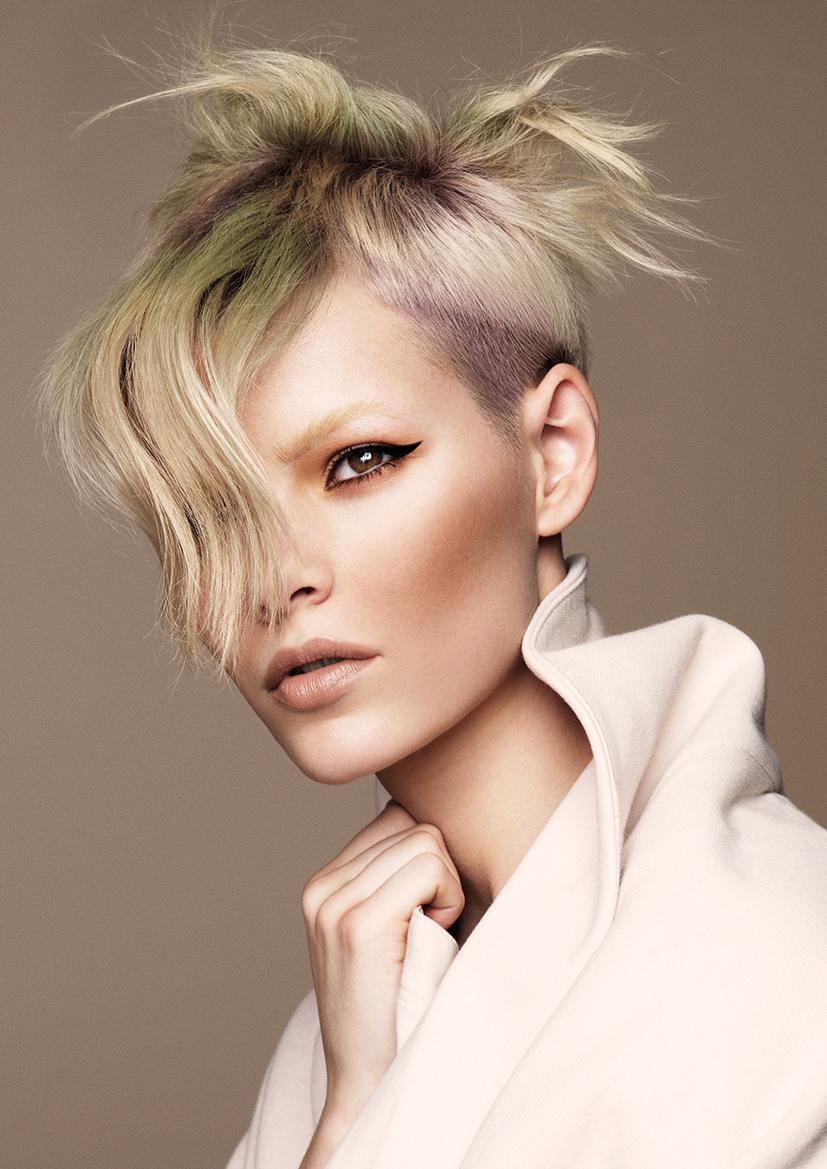 Włosy: Jamie Furlan @ Xiang Hair, Kolor: Danielle Solier @ Xiang Hair, Zdjęcia: Andrew O'Toole, Makijaż: Julie Provis, Stylizacja: Elaine Marshall