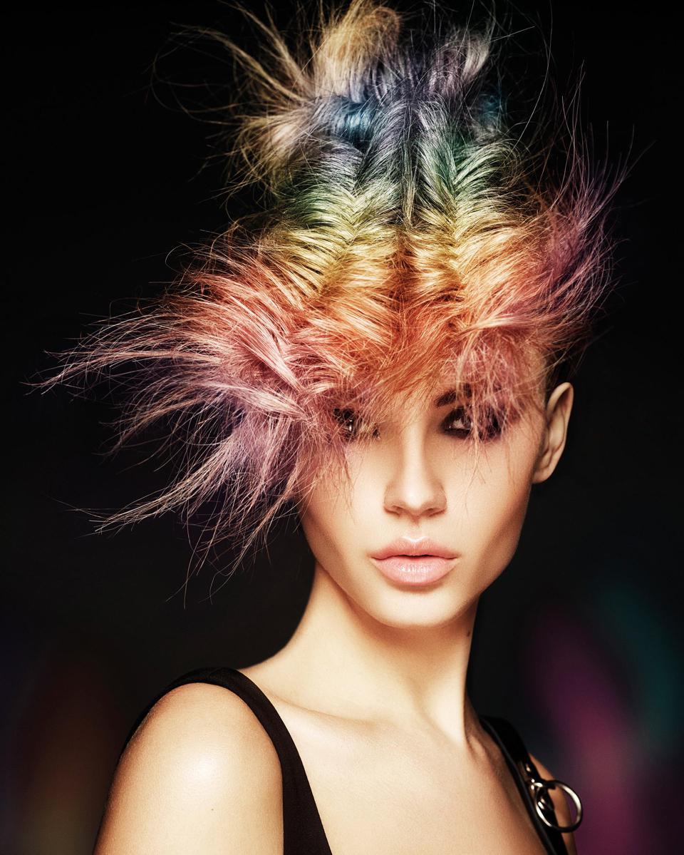 Hair: Mark Leeson Art Team, Kolor: Joseph l'Anson & Lisa Graham, Zdjęcia: Richard Miles, Makijaż: Naoko Schintu, Stylizacja: Bernard Connolly
