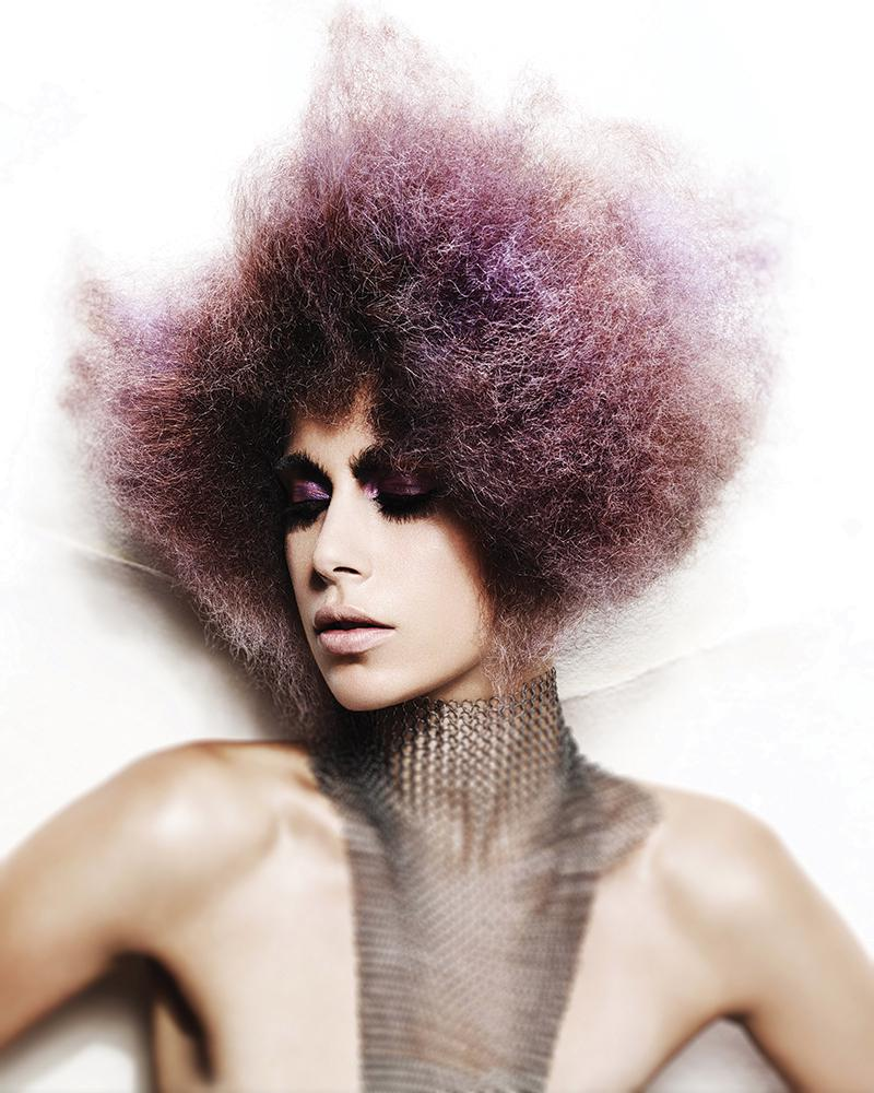 Włosy: Andrew Mulvenna @ Andrew Mulvenna Salon, Zdjęcia: John Rawson, Makijaż: Lan Grealis, Stylizacja: Jared Green