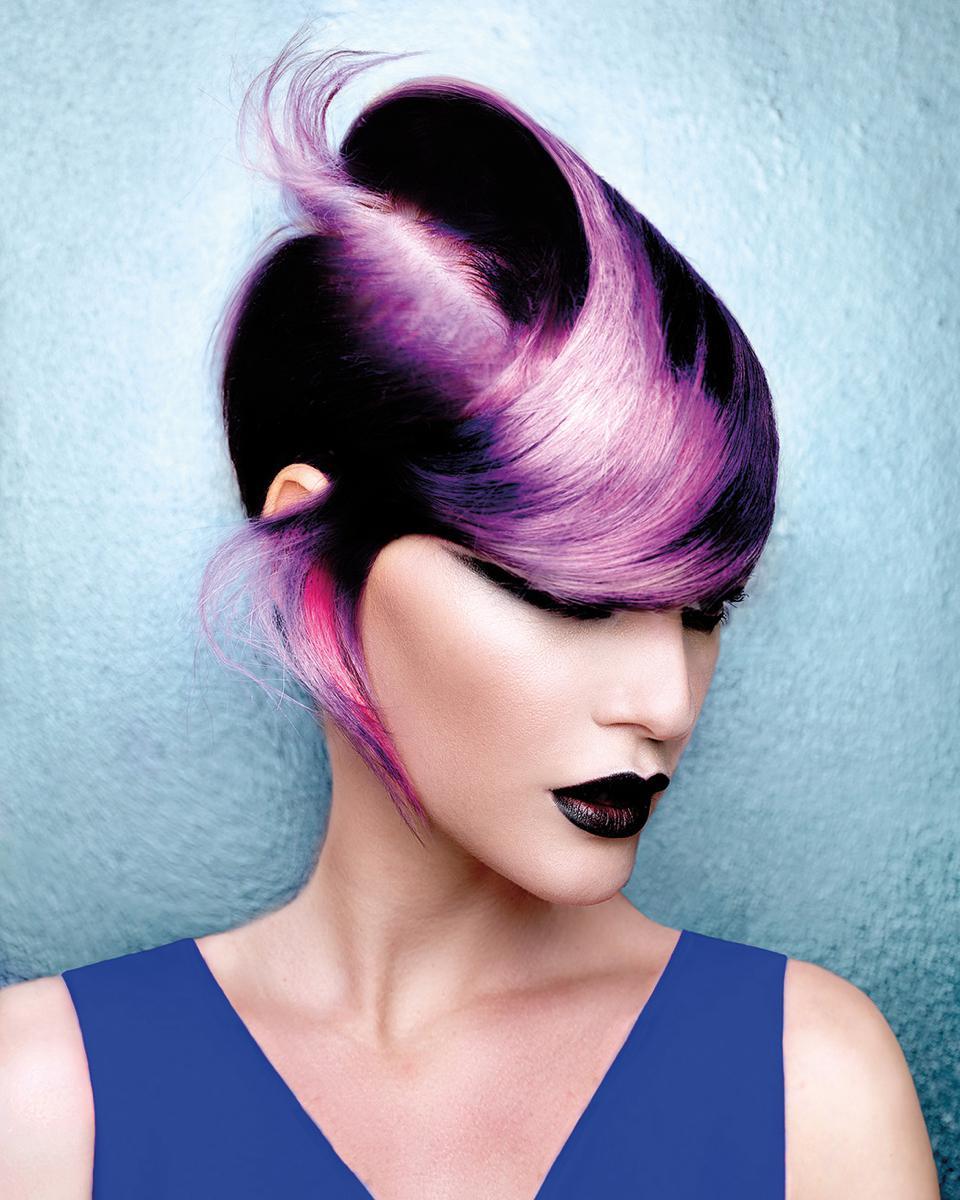 Włosy i Zdjęcia: Desmond Murray, Makijaż: Jo Sugar, Stylizacja: Bernard Connolly, Produkty: Matrix