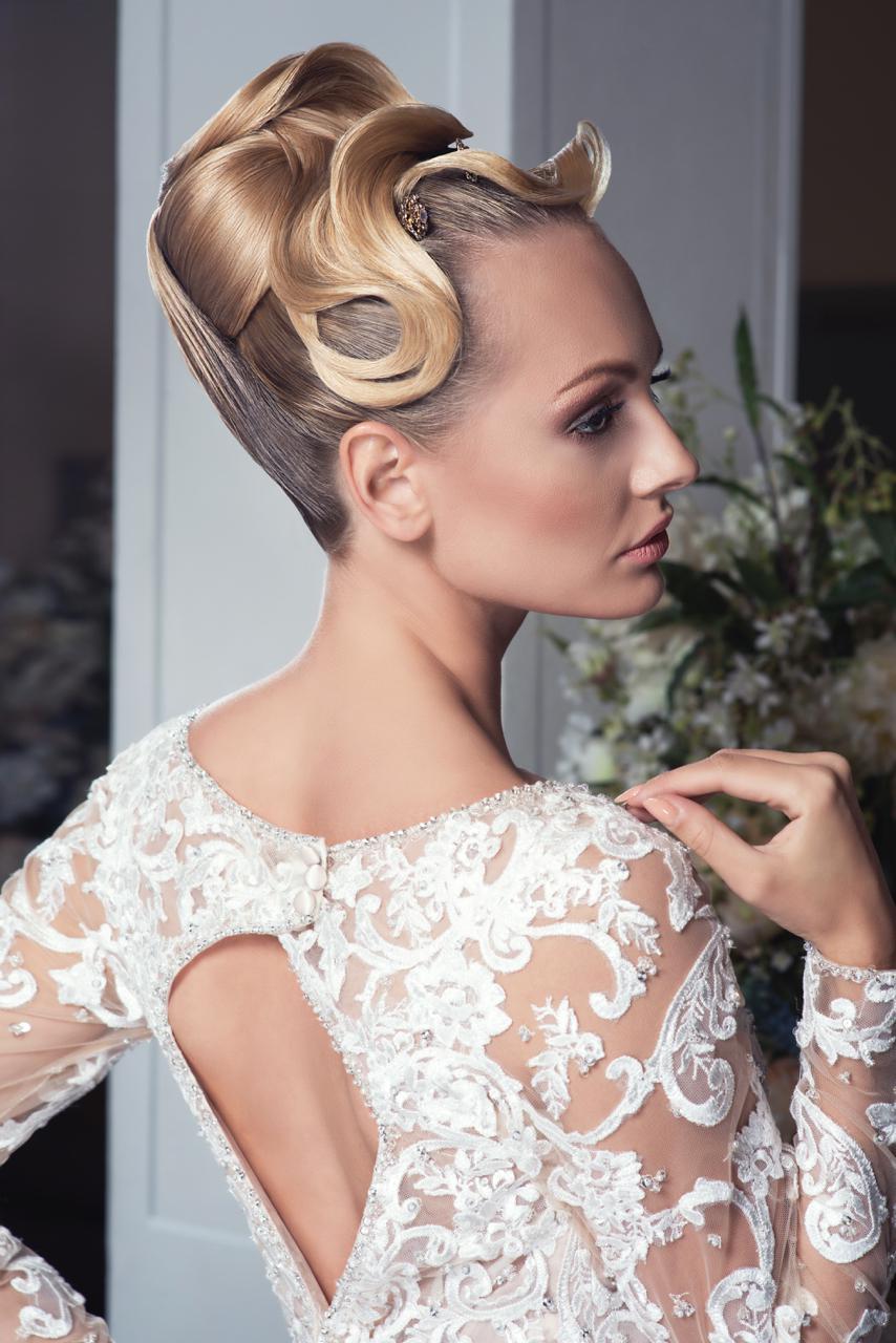 Kolekcja: The Day, Fryzury: Team Zaremba International Academy, Make up: Małgorzata Klonecka, Suknie ślubne: Mori Lee Polska