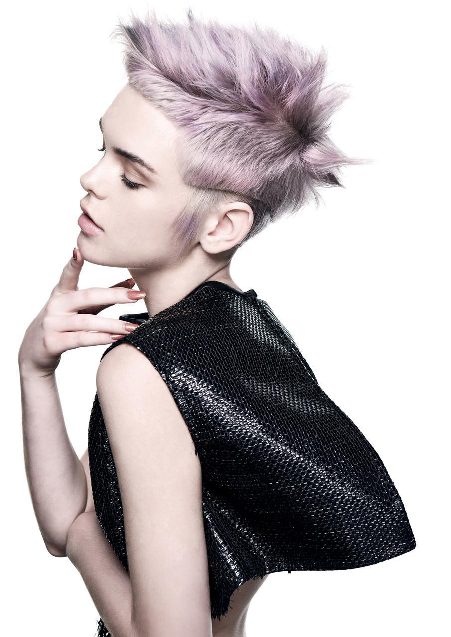 Włosy i Kolor: Travis Bandiera @ Royals Hair Sydney/Zdjęcia: David Mannah/Makijaż: Lauren Sina/Stylizacja: Melissa Nixon