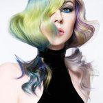 Włosy: Manou Grijsen, Zdjęcie: Petra Holland, Makijaż: Darien Touma, Stylizacja: Annet Veerbeek