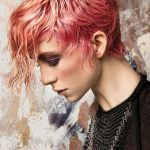 Włosy: Al exander Kiryliuk, Kolor: Kílian Garrigós, Zdjęcie: David Arnal, Makijaż: Miguel Silva, Stylizacja: Elena Estaun